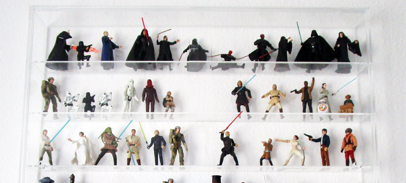 Wandvitrine mit Star Wars Figuren